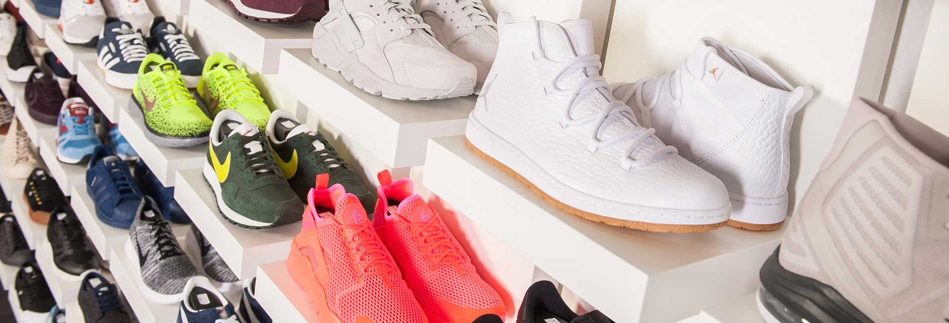 separation shoes d7106 69e4c There are different types of Nike shoes and the cleaning method always not  the same. You should follow these steps while cleaning your Nike shoes-